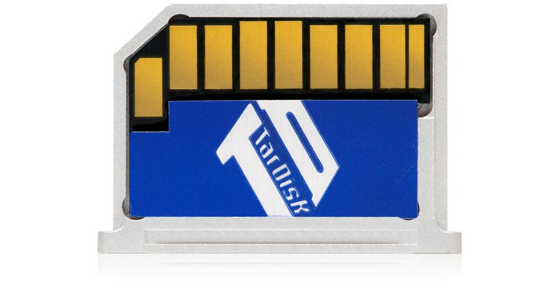 This Leave-In SD Card Merges With Your MacBook's SSD to Increase Its Capacity