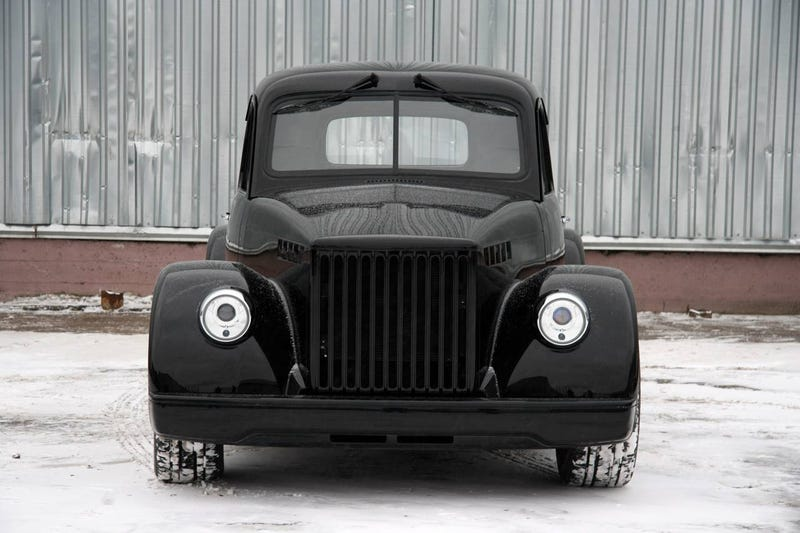 GAZ-51 Custom: Russians Make A Cadillac Escalade EXT Hot!