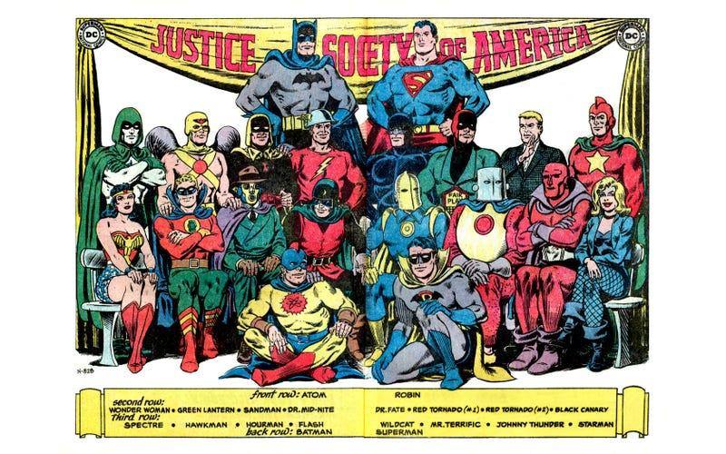 Earth 2 Lets James Robinson Re-Invent DC Comics' Biggest Superheroes