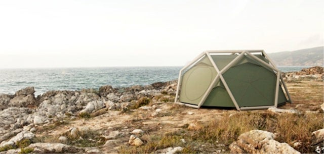 This Tent Stands Up Without Poles