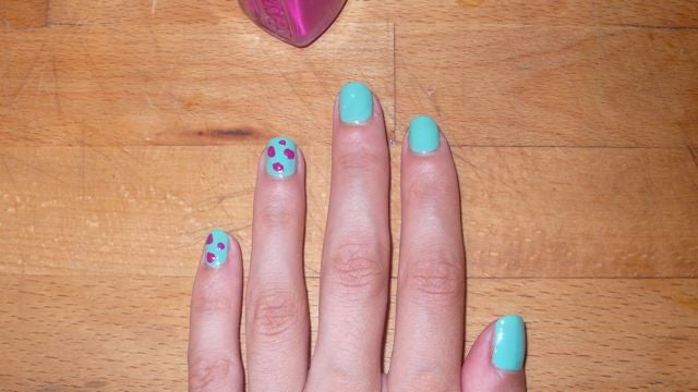 How To Paint Your Nails With A Charming Leopard Print