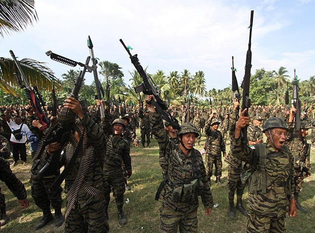 "30 Elite Filipino Police Killed in ""Misencounter"" with Militants"