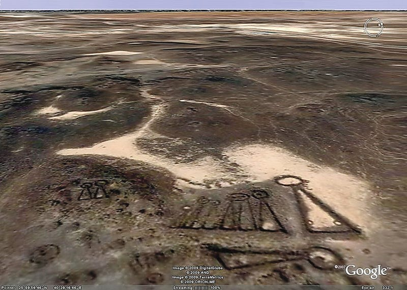 Google Earth Reveals Strange Nazca-Like Ruins in Saudi Arabia