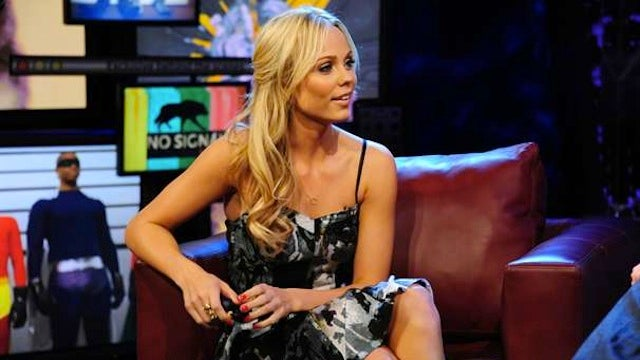 Welcome Our New Alien Overlord: V's Laura Vandervoort