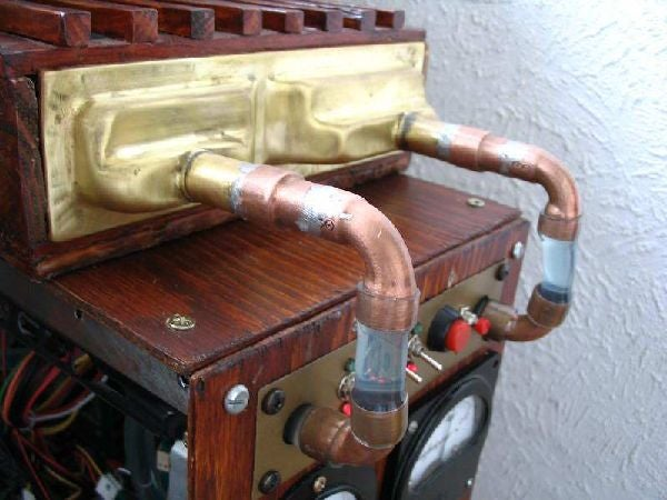 Steampunk PC Gives us a Warm Glow Inside