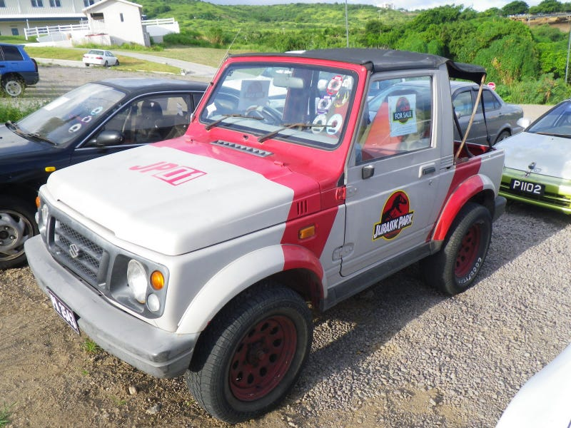 A List of All the Jurassic Park Liveried Vehicles I Could Find