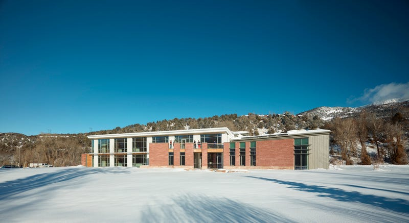 This Super-Efficient Building High in the Rocky Mountains Has No Central Heat