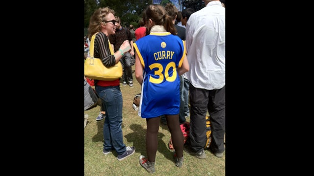 Lady In Steph Curry Jersey And Leggings At Outside Lands Gives Us Our First Floopster Of The Season