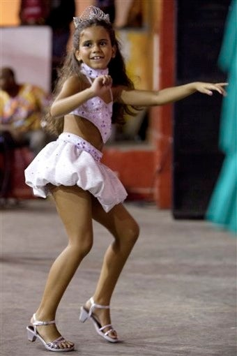 """Carnival Queen Prompts Debate On Sexualizing Kids •Man """"Waterboards"""" 4-Year-Old Daughter"""