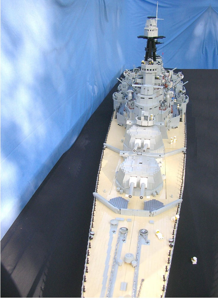 20-Foot-Long Lego Battlecruiser Can Probably Sink Oil Tankers