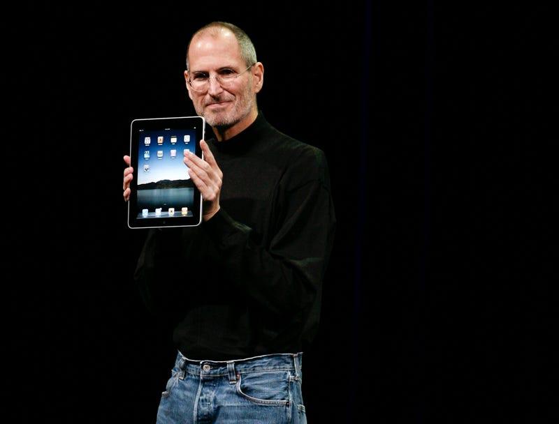 "WSJ Editorial Asks If Apple Prosecutor Wants to ""Disinter Steve Jobs"""