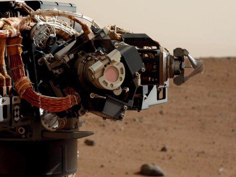 La Mars Curiosity taladra con éxito la superficie de Marte