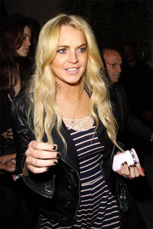 Lindsay To Pose Nude For Fashion Line; Play About Isabella Blow Produced