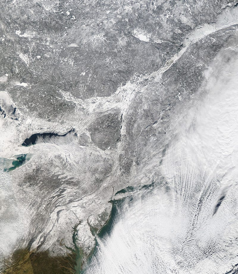 Watch how America is getting frozen in this time-lapse from space