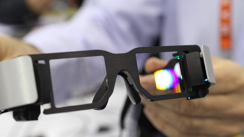I Can Walk and Watch HD Movies at the Same Time With Lumus' See-Through Video Glasses