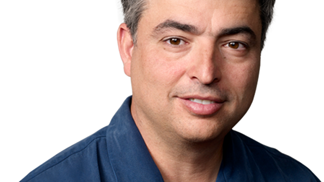 Apple's Mr. Fix-It Eddy Cue Tweets Like a Spambot
