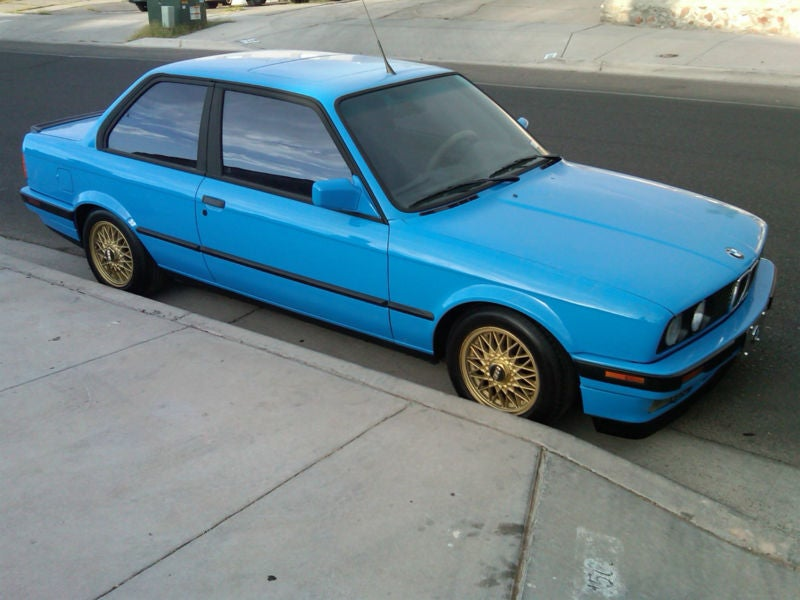 For $5,200, Does This Old E30 Two Door Have You Feeling Blue?