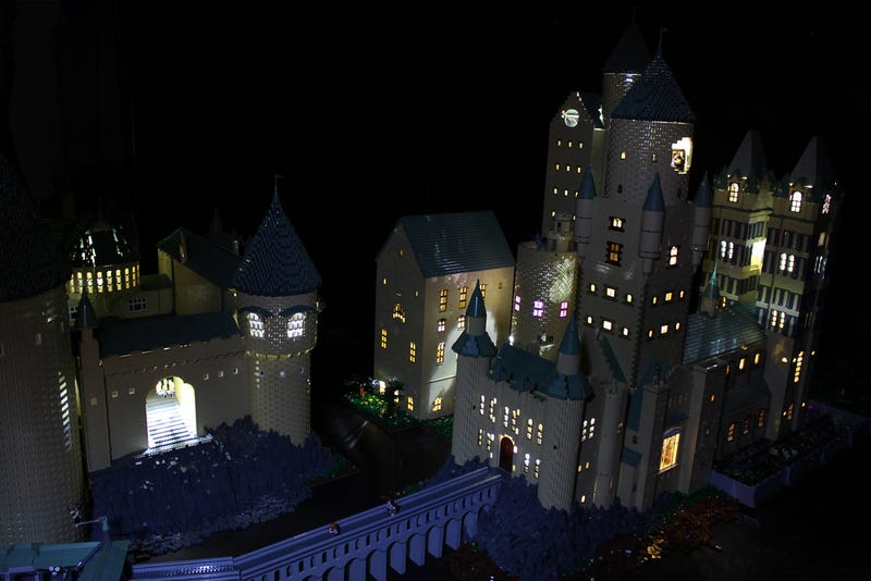 Hogwarts Comes To Life In This Incredible 400,000-Brick LEGO Diorama