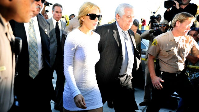 Lindsay Lohan Arraigned and Released on $40,000 Bond