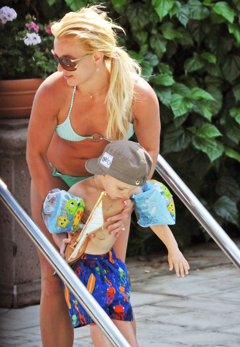 Britney Spears Will Lock Her Sons in Their Rooms for 30 Years Before She Lets Them Become Child Stars