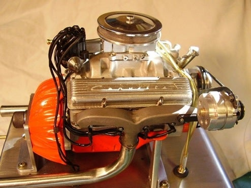 Mini Corvette Engine Runs at 11,000 RPM