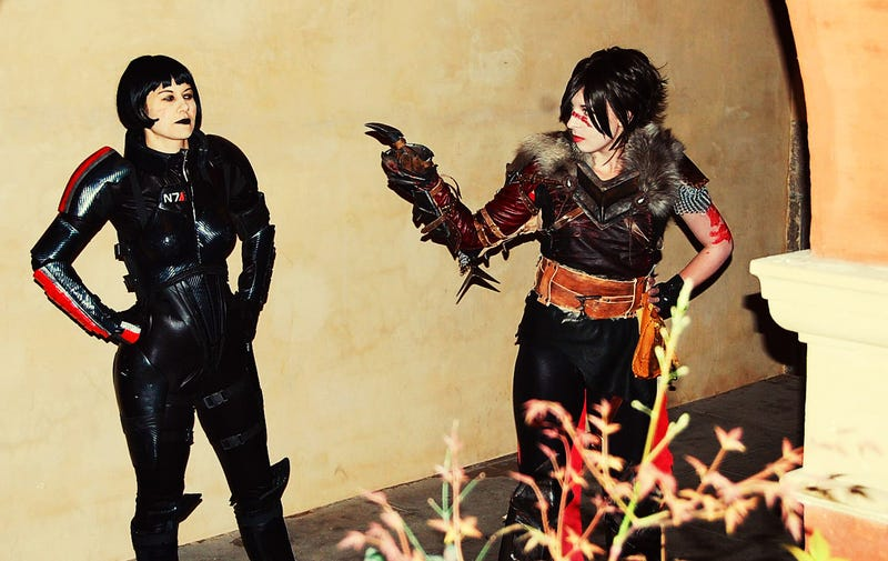The Best Mass Effect 2 Cosplay Meets The Best Dragon Age II Cosplay
