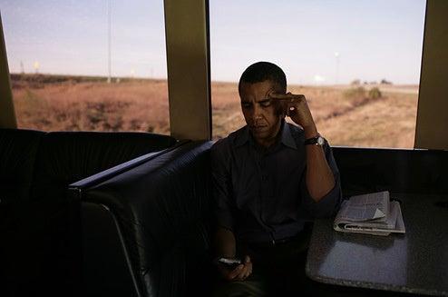 Barack Obama's BlackBerry Addiction = The Biggest Celebrity Endorsement In History