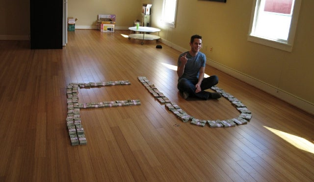 Oatmeal Creator Posts Photo of Giant FU to FunnyJunk Made from Over 200 Grand in Cash