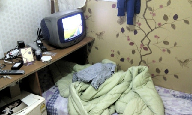 These Korean Rooms Are Compared to Prison Cells For Good Reason