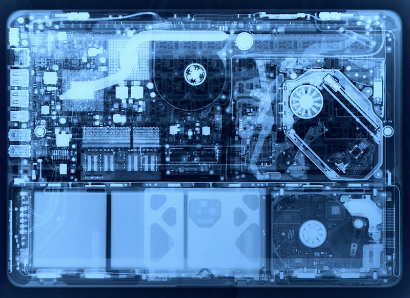 Aluminum MacBook X-Ray Makes Perfect Desktop Background