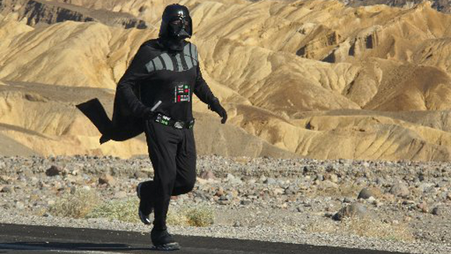 A guy in a Darth Vader suit may have run the hottest mile EVER