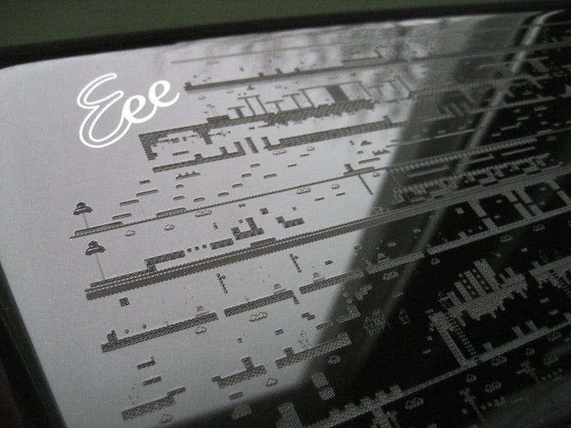 Laser-Etching Hall of Fame: Eee PC Gets Tattooed With Every Super Mario Land Level