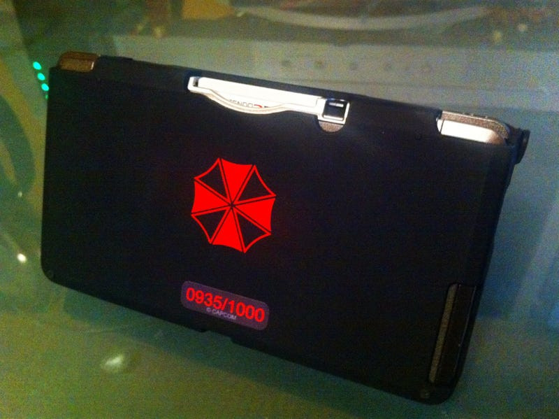 Check Out this Sexy, Custom Resident Evil 3DS Case