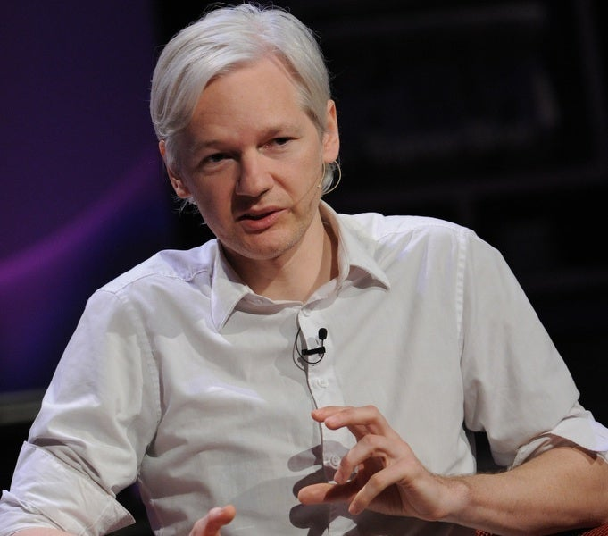 What Happened to Wikileaks Founder Julian Assange's Weird Hair?