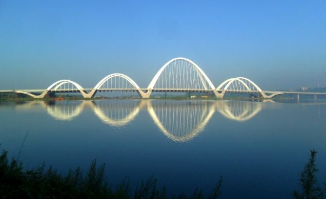 How five of the world 39 s coolest new bridges stay upright for World s coolest bridges