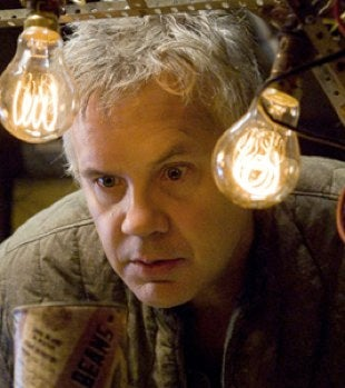 Tim Robbins Helps Bring The Daddy Issues To Green Lantern