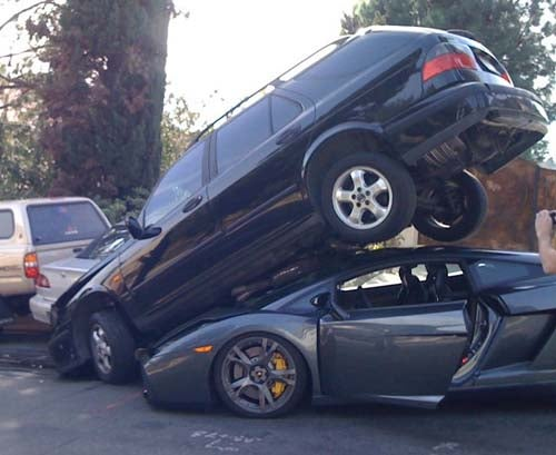 Lamborghini Gallardo Tangles With Many Parked Cars In LA's Laurel Canyon, Much Bondo Needed