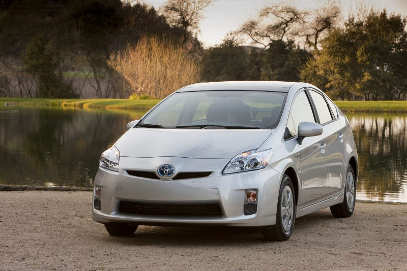"Elderly Couple Says Dealership ""Scammed"" Them Into Buying a Prius"