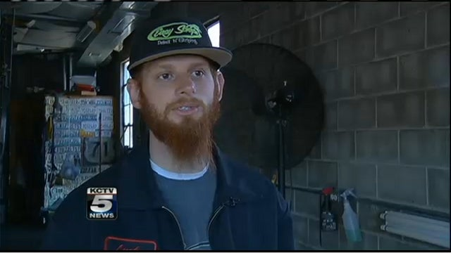 'Dirty, Bearded, Tattooed' Man Returns Lost $1,200 to Owner, Rewarded with a Rude Remark
