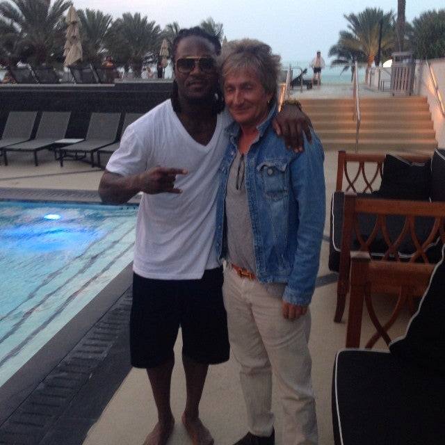 Here Is An Important Photo Of Pacman Jones And Rod Stewart