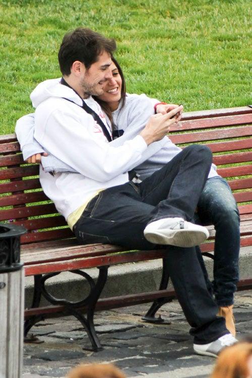 Iker Casillas Is Still Kissing Sara Carbonero