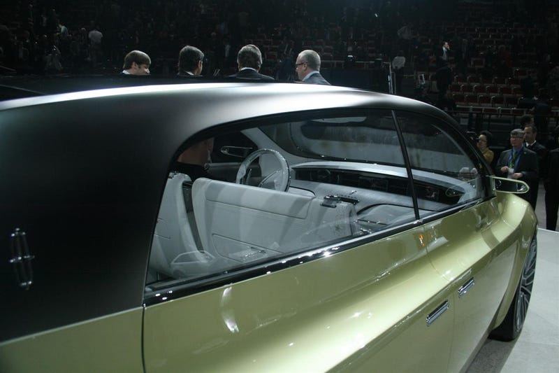 How To Load A Concept Car Onto An Auto Show Turntable