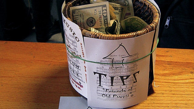 How Much to Tip for Good and Bad Service, According to an Ex-Waitress