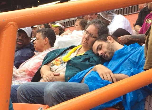 Pro Bowl Attendees Treat Themselves To A Nice Nap