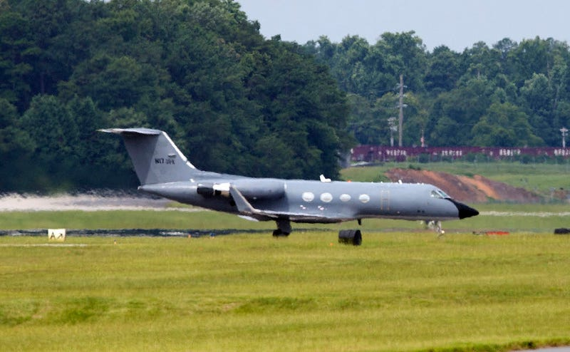 Plane Carrying Second American Ebola Patient Lands in U.S.
