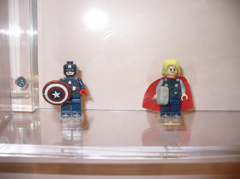 New Lego Marvel Minifigs Include Wolverine, Iron Man, Hulk, Captain America and Thor