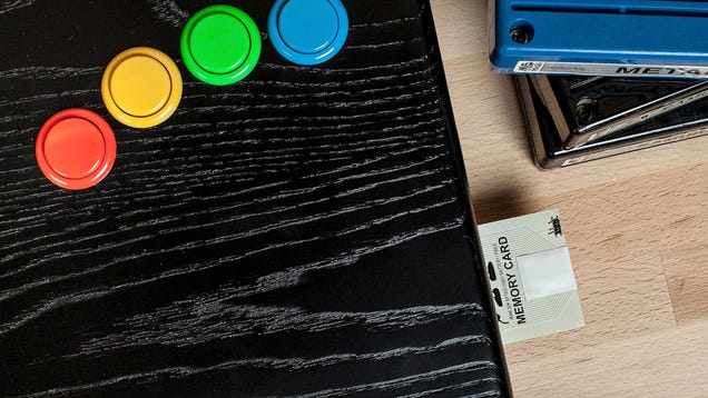This Wooden All-in-One Neo Geo Arcade System Is an Absolute Work Of Art