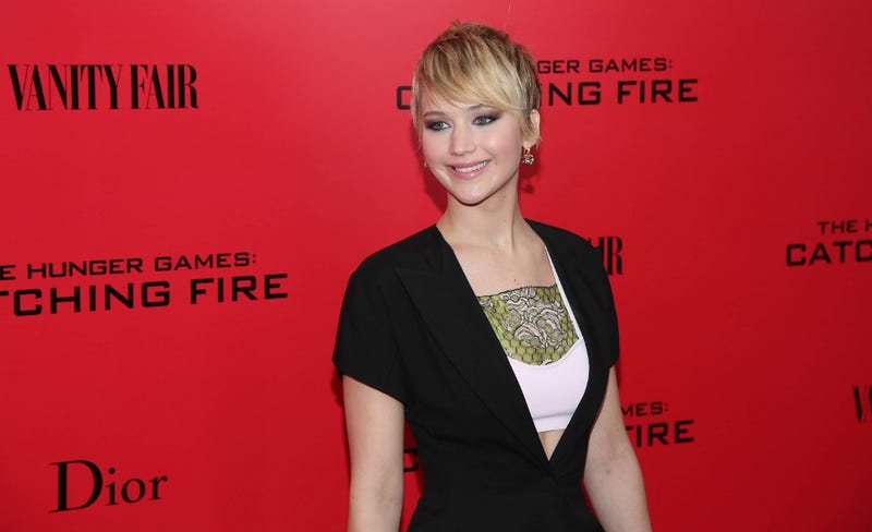 Jennifer Lawrence Gets Fed Up with Paps, Throws Red Carpet 'Tantrum'