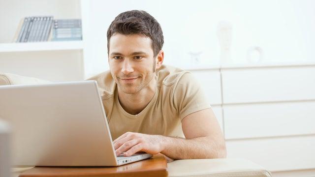 Sexy Online Scams Render Men Stupid
