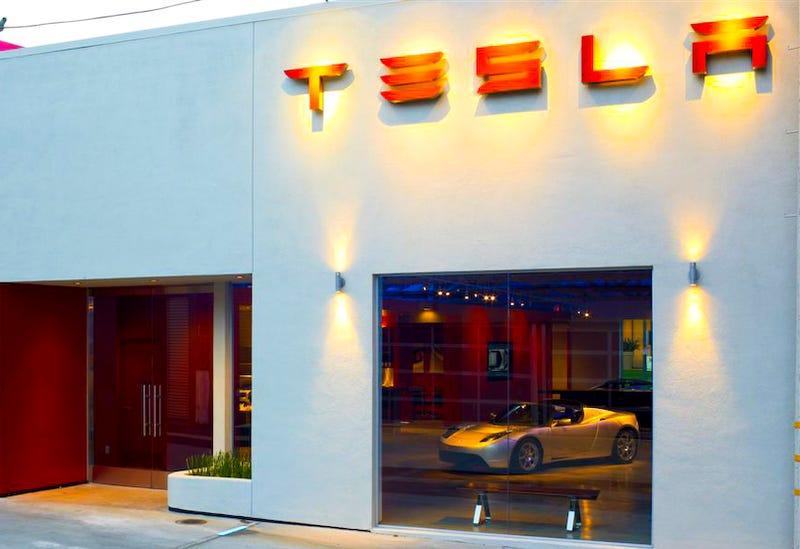 Tesla To Open Chicago Dealership